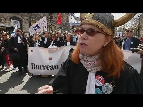 Les avocats et les juges normands manifestent à Paris