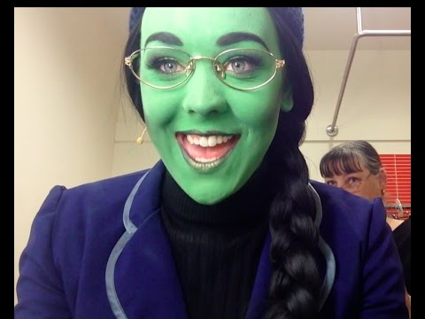 """Greenifying""- Behind the scenes of 'Wicked'"