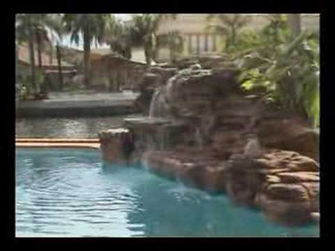 Artificial swimming pool waterfall / Cascade pour piscine