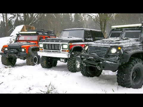 BIG RC TRUCK TRAIL CRAWLER SNOW FUN!! LAND ROVER DEFENDER, FORD BRONCO, TACTICAL UNIT