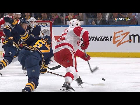 10/24/17 Condensed Game: Red Wings @ Sabres