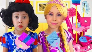 Kids Makeup & Dress Up in Disney Princesses Pretend Play with Cleaning Toys for girls Collection