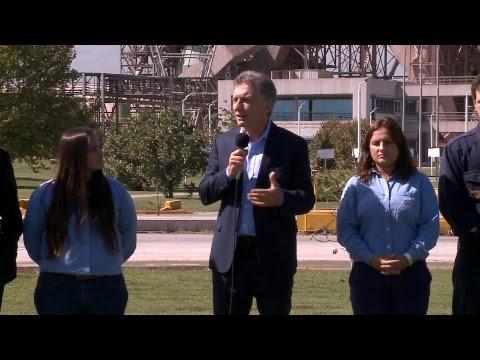El presidente Macri recorrió la planta de Loma Negra en Olavarría