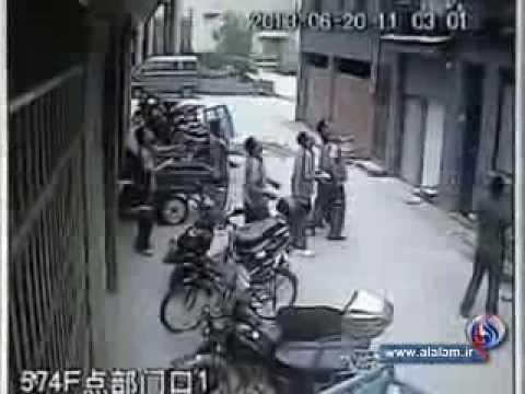 תינוק נופל מהחלון -סרטון מפחיד