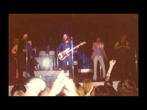 Dolenz, Jones, Boyce & Hart (with Peter Tork) - Live 1976 - Last Train to Clarksville/Monkees Theme