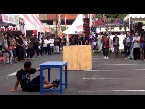 Parkour Bali - Perform at Mall Bali Galeria