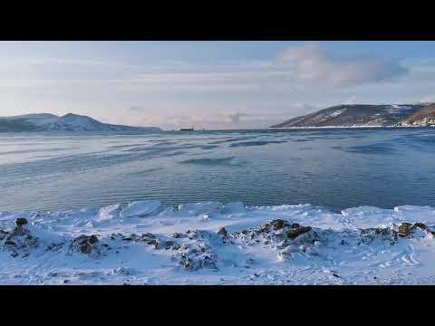 Нагаево и бухта Нагаевская. Магадан. Незамерзшее зимнее море.