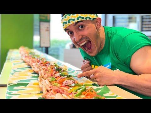 JE MANGE LE PLUS GROS SANDWICH AU MONDE !!