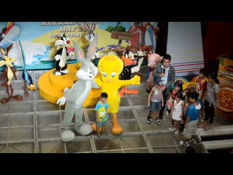 Looney Tunes Bugs Bunny and Twity at SM Bacoor May 26 ,2013 2