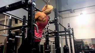 Lacey Evans' back- and bicep-bulging workout at the WWE Performance Center