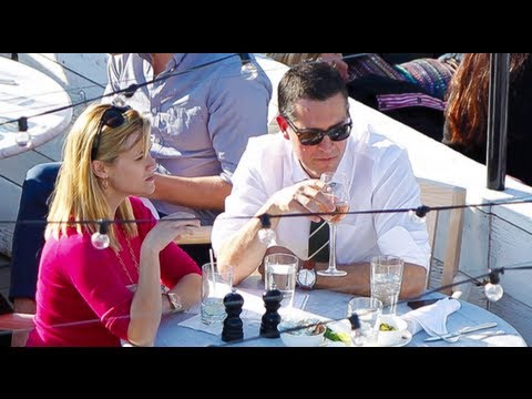 Reese Witherspoon and Jim Toth Relax in New York City with Drinks
