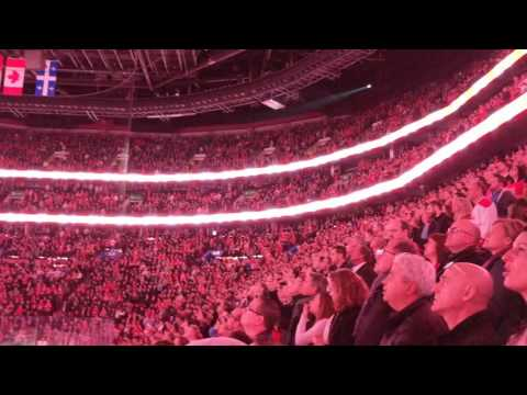 O Canada as only the Bell Center can.