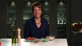 Eat More Fish: Susan Bowerman's Easy Tuna Recipe For A Satisfying Salad | Herbalife Recipes