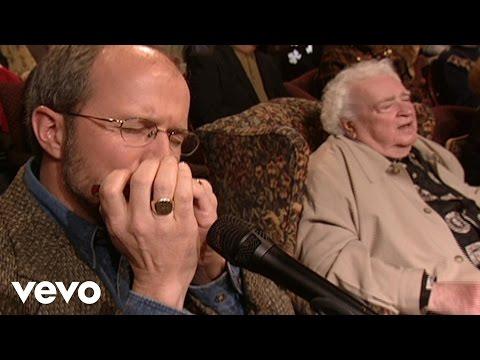 Bill & Gloria Gaither - He Leadeth Me [Live] ft. Buddy Greene