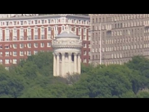 Soldiers And Sailors Monument In New York City - Seen From Hudson River