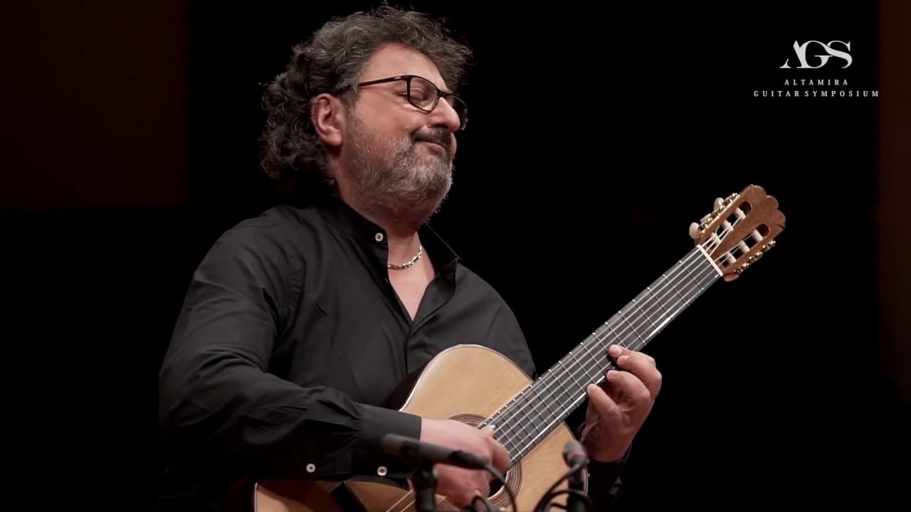 Aniello Desiderio plays Suite Espanola (Gaspar Sanz) on an Altamira Concert Guitar