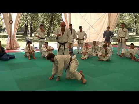 Judo difesa go da ko uchi gari gaeshi Sasae tsuri komi ashi.