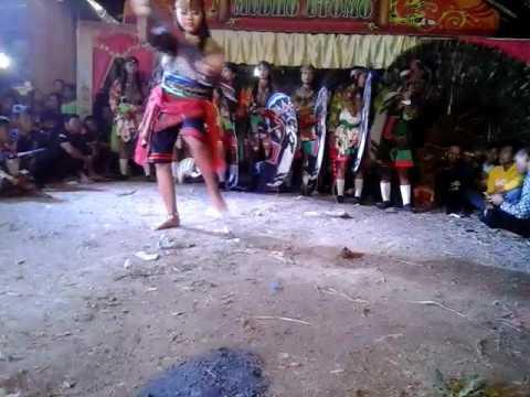 Jaranan putri Mudho Utomo