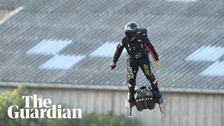 French inventor crosses Channel by hoverboard