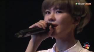 Vấn Minh Nguyệt (live) - Úc Khả Duy