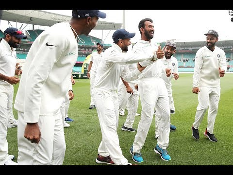 Pujara can bat ... but can't dance!?