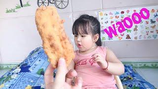 #thienthu ❤️ Ăn Bánh Chuối Chiên Ngon Tuyệt Cú Mèo 😀. Đi Học về được ba mua bánh.#tomatoandapple
