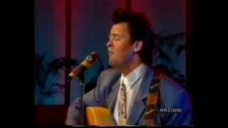 PAUL YOUNG - SOFTLY WHISPERING I LOVE YOU - LIVE TV ITALIA