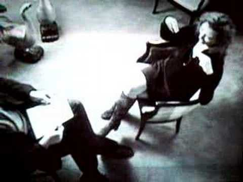 "TORI AMOS ""The big question"" 15min interview 1996 - part 1"
