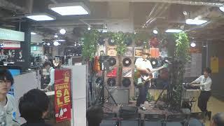 梅田ロフト店HOTLINE2017ショップオーディションの映像です。 1曲目:合...
