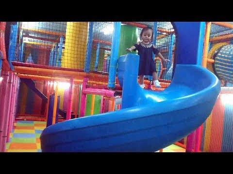 Menemani Balita Lucu Bermain Di Kids Zone Mandi Bola Dan Perosotan - Indoor Playground