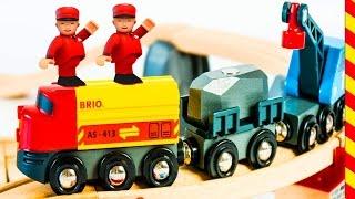 Железная дорога Брио мультик. Приключения Поезда для детей. Веселый паровозик детям.