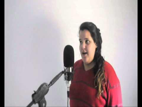Camila Medina  - Santa Chuva (Marcelo Camelo)