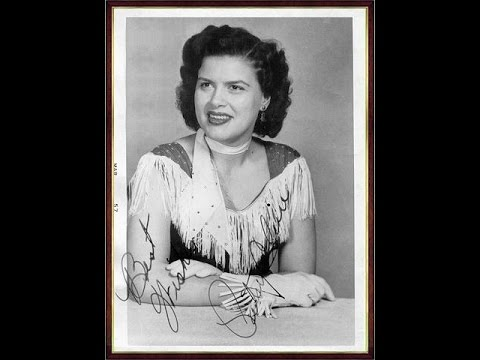 Patsy Cline - A Poor Man's Roses (Or A Rich Man's Gold) - (1956).