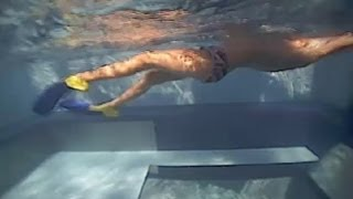 How to Swim to Strengthen Knees & Quad Muscles : Swimming to Win