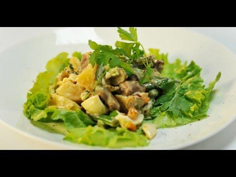 Салат с курицей, грибами и грецким орехом рецепт с фото