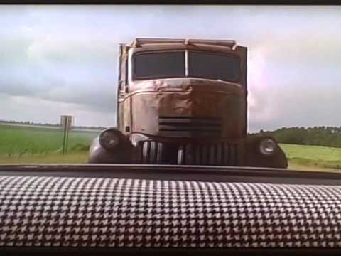 Jeepers Creepers (2001): First chase of the creeper truck scene