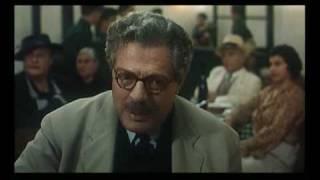 Sostiene Pereira Trailer