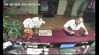 Зайченко из ГФС угрожает ножом администратору отеля