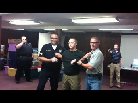 TASER Training - Kentucky State Police Detective Jeremy Mabe - YouTube