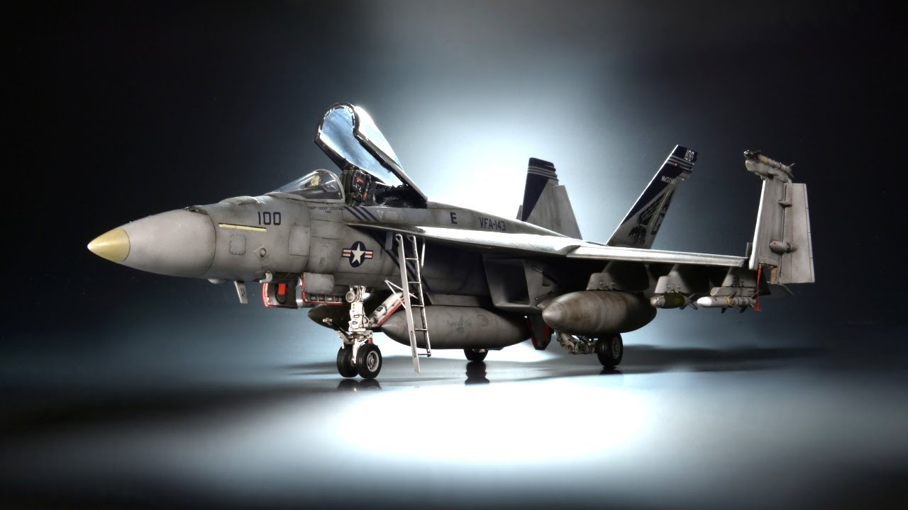 F/A-18E Super Hornet - Academy 1/72 -  Aircraft Model