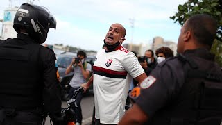video: Watch: Police clash with anti-Bolsonoro and anti-racist protesters during demo in Sao Paulo