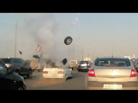 LPG Car tank Explosion on Highway