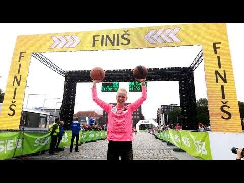 Fastest marathon dribbling two basketballs I Marti Medar 10.09.2017