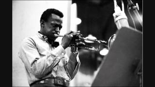 "Miles Davis - ""Freddie Freeloader"" (Kind Of Blue - 1959)"