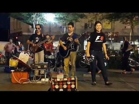 berjuta batu-Redeem buskers cover Alleycats