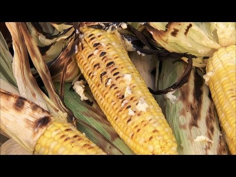 campfire-corn-with-herb-butter-hd