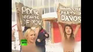 مظاهرة عاريات لاجل الفقراء في اجتماع قادة العالم