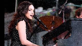 """Barstool blues"" - Norah Jones (live)"