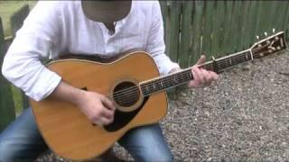 Davey Hay sings