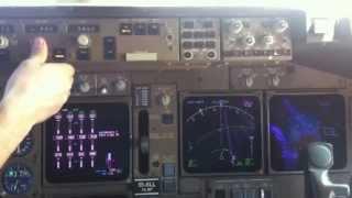 Заход на посадку в а/п Дубай Боинг 747-400 АК Трансаэро